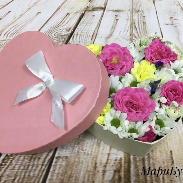 Коробка-сердце с цветами